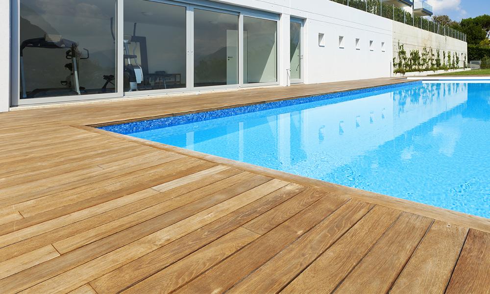 Terrasse en ipé tour de piscine
