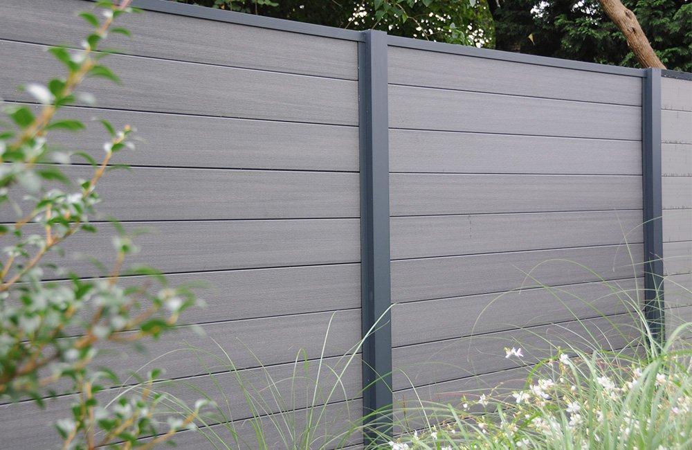 clôture composite et poteau aluminium